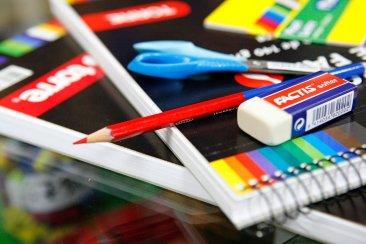 Municipio y comercios locales acordaron precios para canastas escolares económicas