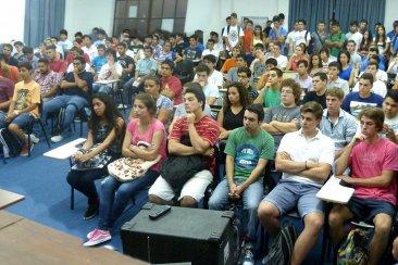 Más de 150 chicos comenzaron el Seminario Universitario en la UTN Concordia