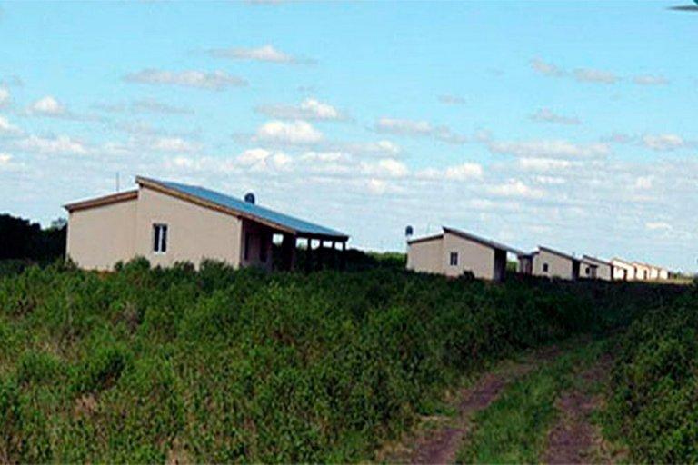 El campo está dentro del departamento Tala.