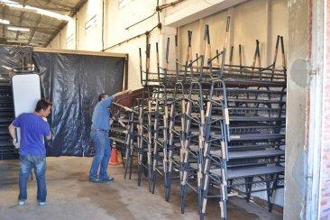Nuevo mobiliario para equipar a escuelas de todo el departamento Concordia