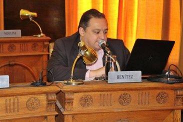 El concejal Benítez aclara que