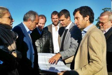 Bordet y funcionarios de Frigerio recorrieron este jueves el aeropuerto de Concordia