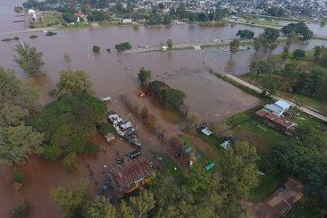 VIDEO: La creciente del río Uruguay vista desde el aire