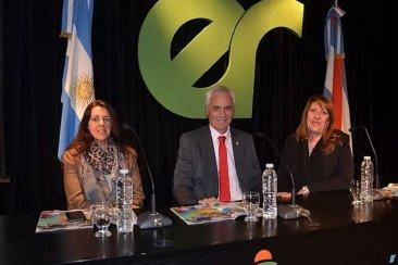 Federación se mostró en formato de peña en Buenos Aires