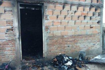 Una vivienda se incendió totalmente al noroeste de Concordia
