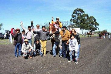 """En una ciudad entrerriana el voto """"que vuelvan las carreras de caballos"""" fue tercera fuerza"""