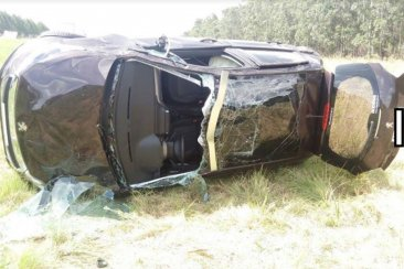 Dos personas fueron derivadas al hospital Masvernat tras volcar en la Autovía Artigas
