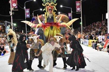 Se aproxima la ceremonia de premiación a las figuras ganadoras del carnaval
