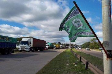 Camioneros acordó pero ya definió su postura en el paro nacional del próximo lunes