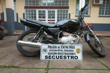 En un taller mecánico tenían una moto con pedido de secuestro