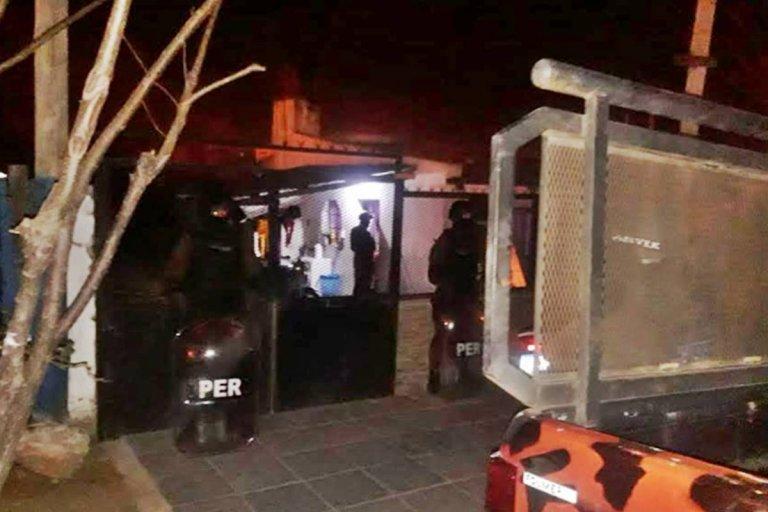 Tres detenidos en allanamientos en el barrio Constitución y Fátima