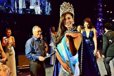 Federación coronó a su nueva Reina Nacional de la Fiesta del Lago